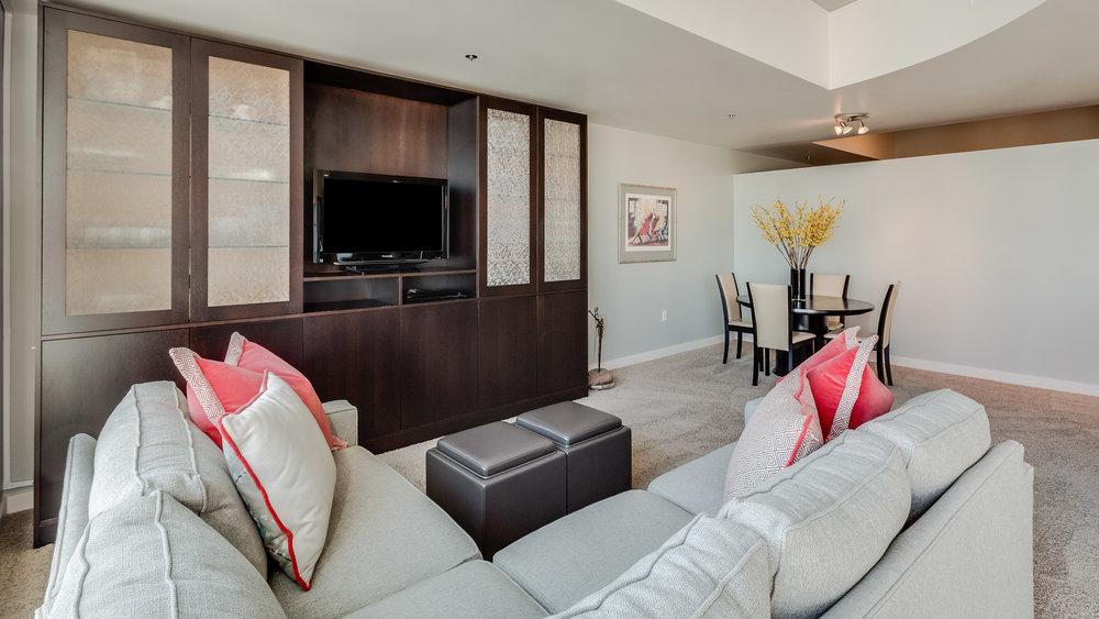 06_Spire 2110 Living Room (12).jpg