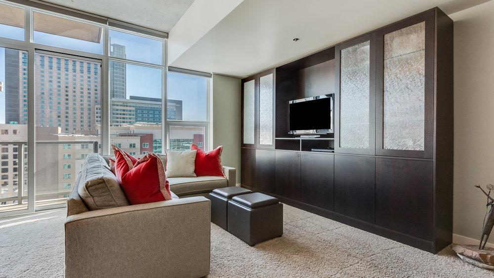 07_Spire 2110 Living Room (13).jpg