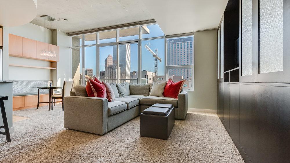 08_Spire 2110 Living Room  (11).jpg