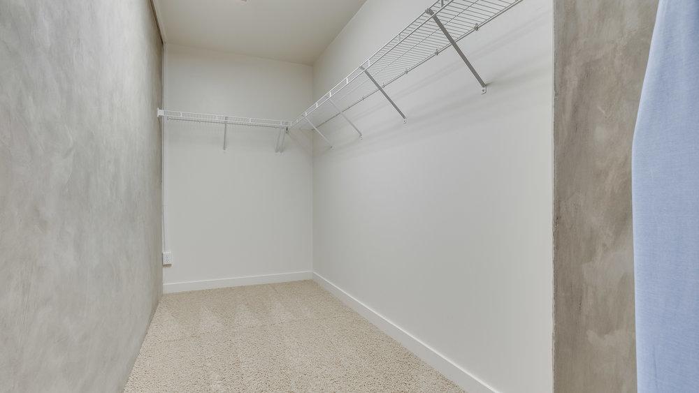 15_Spire 2110 Large Closet (3).jpg