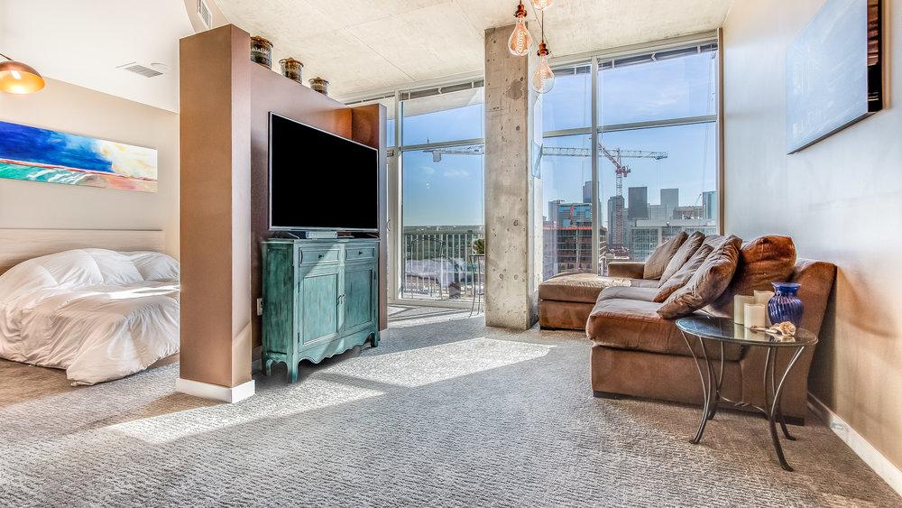 03_Glasshouse Living Room #1320 (7).jpg