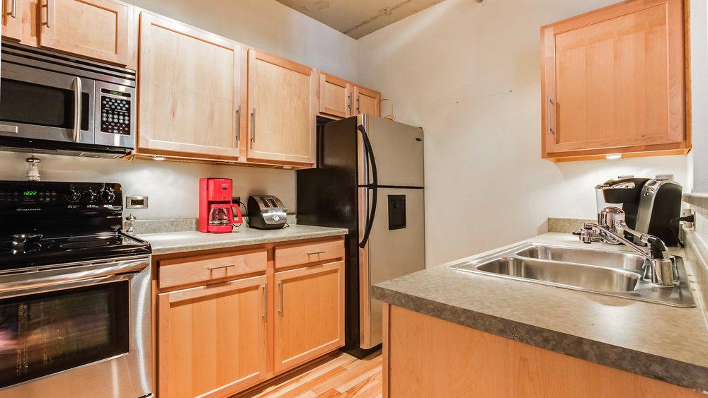 08_444 17th St. #401 Kitchen (7).jpg