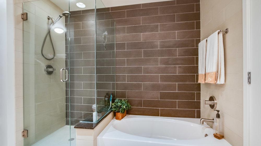 18-Master Bath_1.jpg