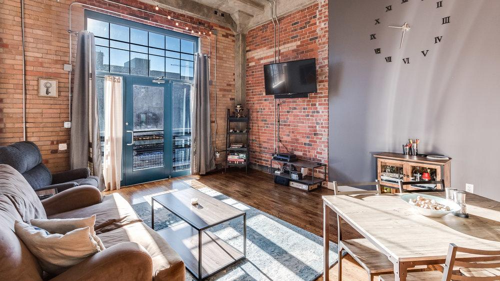 04-2500 Walnut Living Room (6).jpg