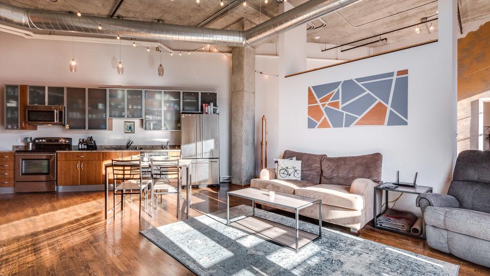 05-2500 Walnut Living Room (9).jpg