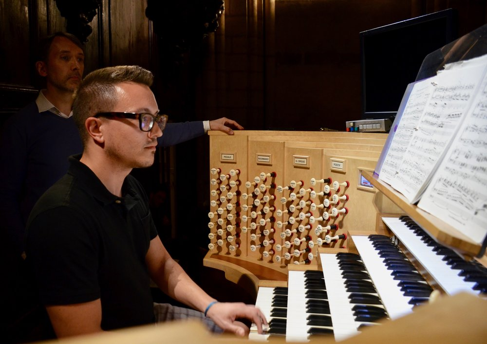 Corey de Tar plays Karg-Elert at Notre Dame de Paris - Boston Organ Studio