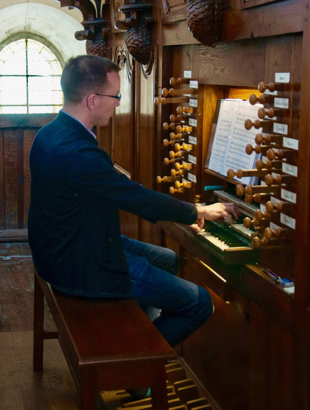 Christian Lane playing the organ at Rozay-en-Brie