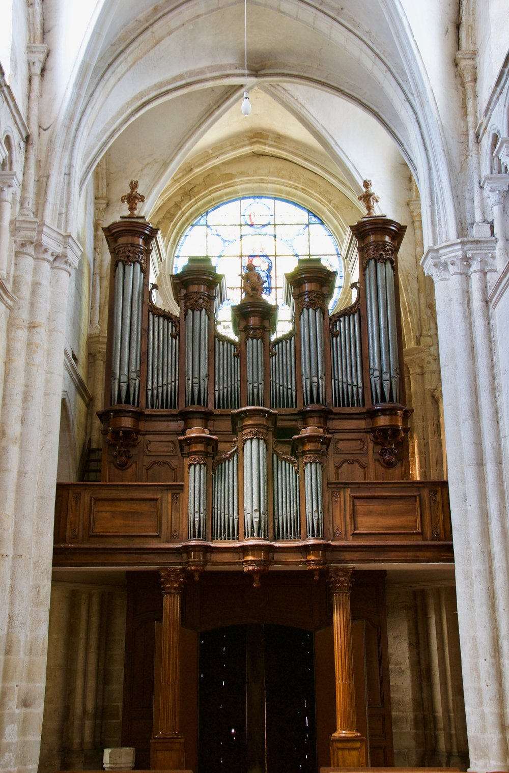 The historic organ of Rozay-en-Brie, which has the oldest keyboards in France.
