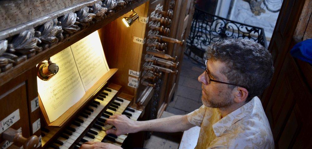 Chris Porter plays the organ at St Pierre des Chartreux, Toulouse