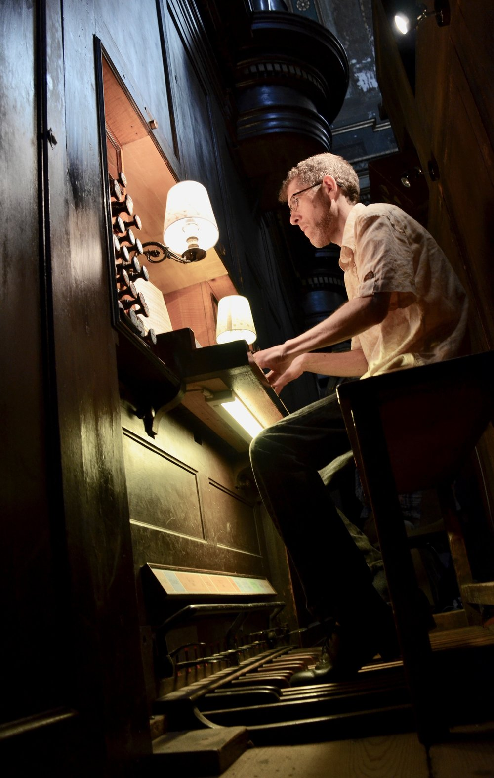 Chris Porter plays the organ in Notre Dame la Daurade, Toulouse