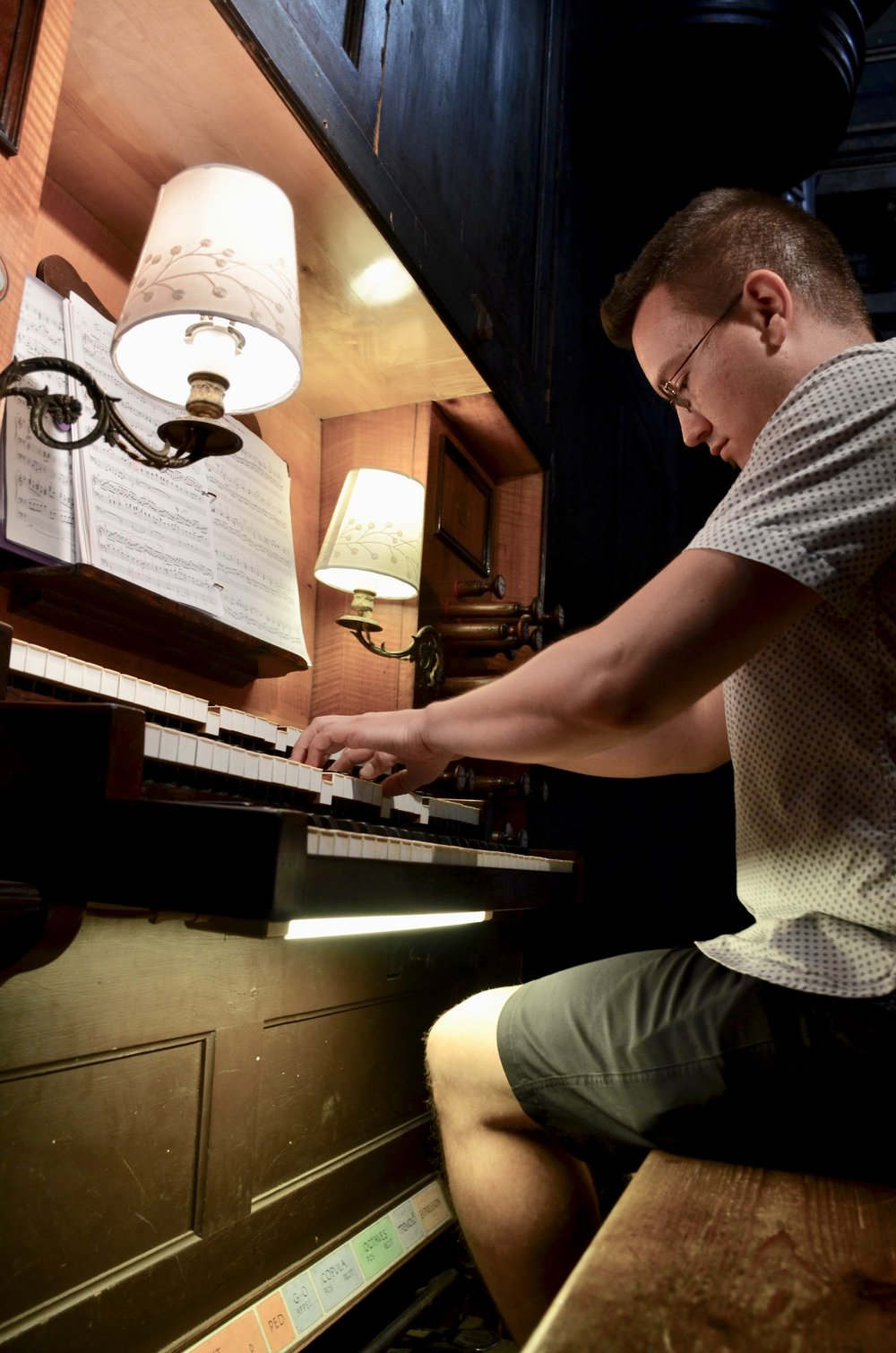 Corey De Tar plays the organ in Notre Dame la Daurade, Toulouse