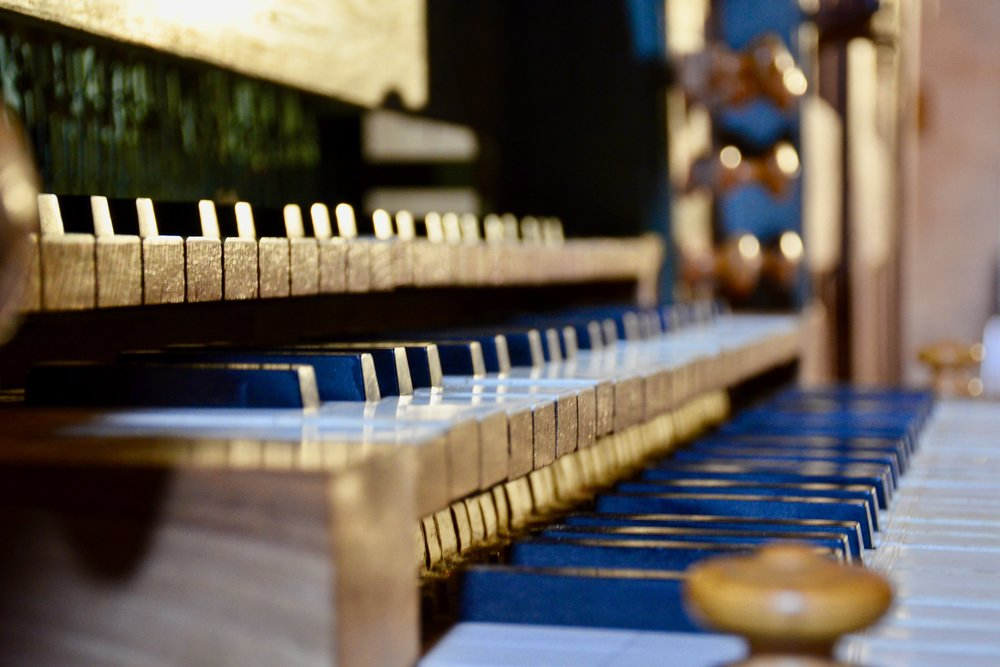 The key desks of St. Felix-Lauragais church organ