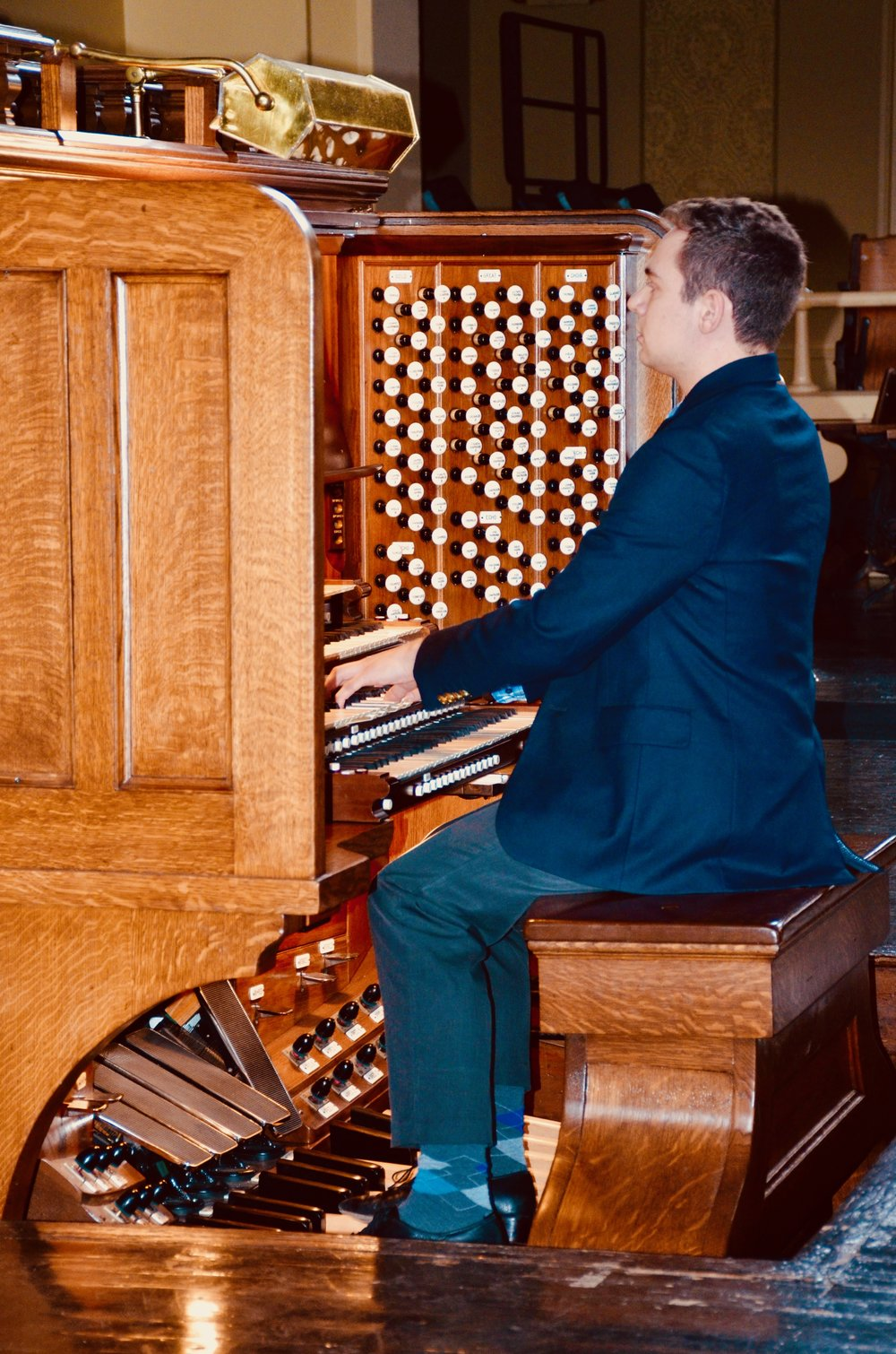 David von Behren demonstrates the Woolsey Hall organ for members of Boston Organ Studio