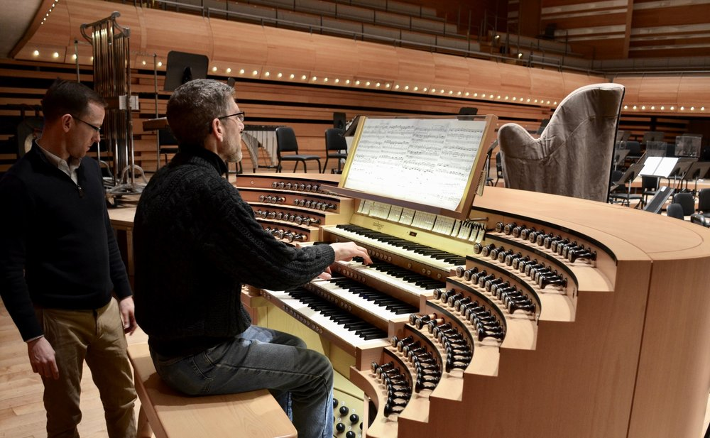 Chris Porter plays the Grand Orgue Pierre-Béique (Casavant) in Maison Symphonique, Montréal