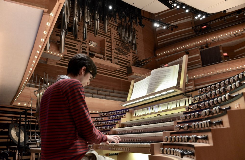 Elliot Parlin plays the Grand Orgue Pierre-Béique (Casavant) in Maison Symphonique, Montréal. Boston Organ Studio.