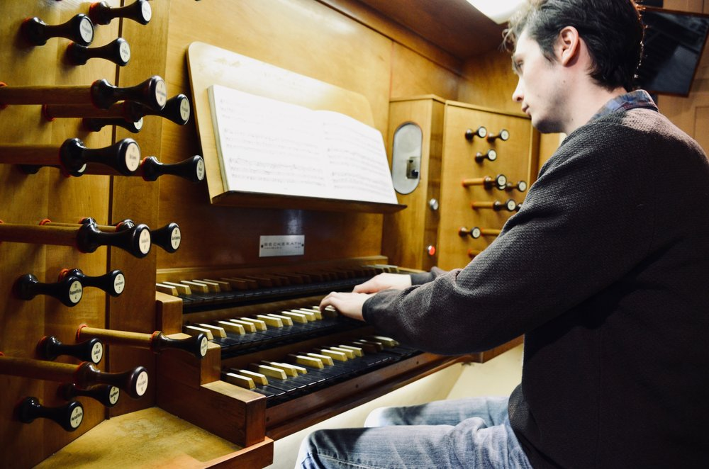 Elliot Parlin plays the Beckerath Organ, Church of the Immaculate Conception, Montreal.
