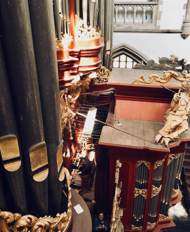Corey De Tar at the console of St-Bavo, Haarlem. Boston Organ Studio.