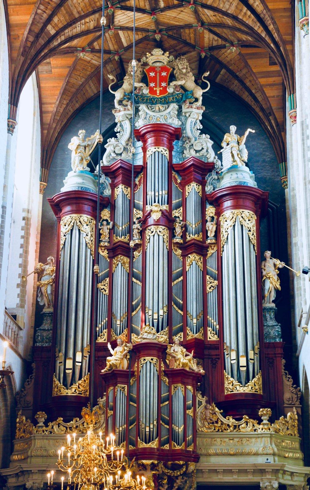 The facade of the Christian Muller organ at St.-Bavokerk, Haarlem. Boston Organ Studio.