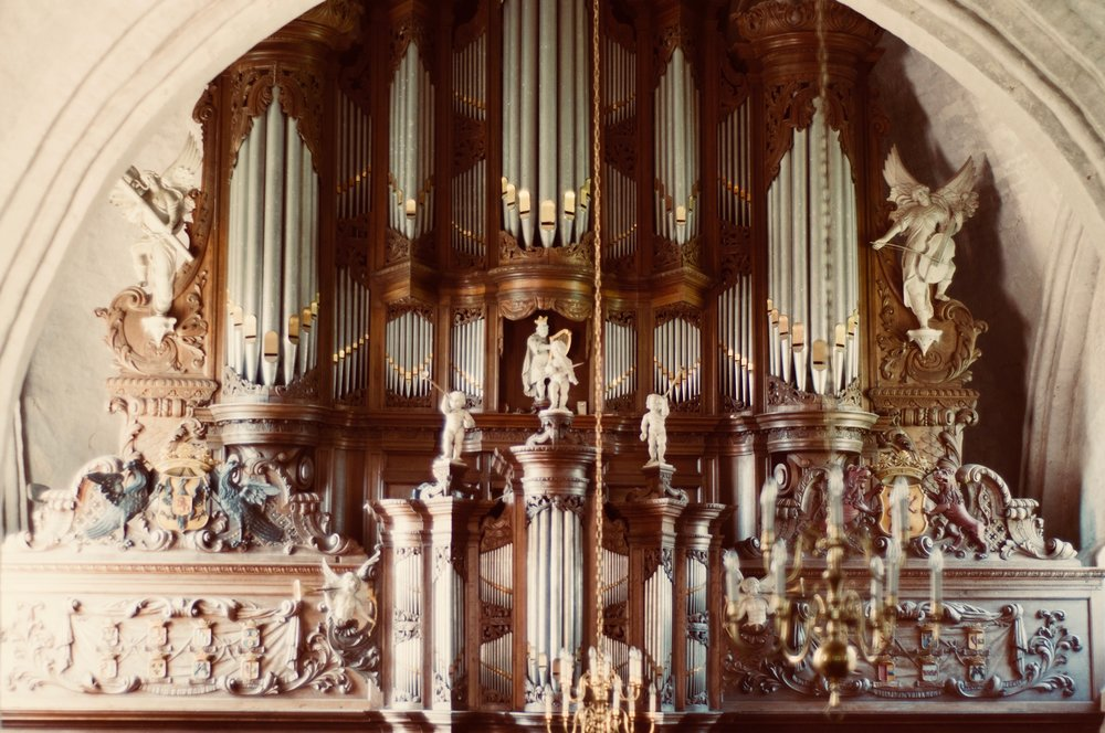 The 1733 Hinsz organ in Leens, Holland. Boston Organ Studio.