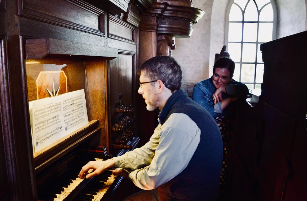 Chris Porter plays the Hinsz Organ in Leens, Holland.
