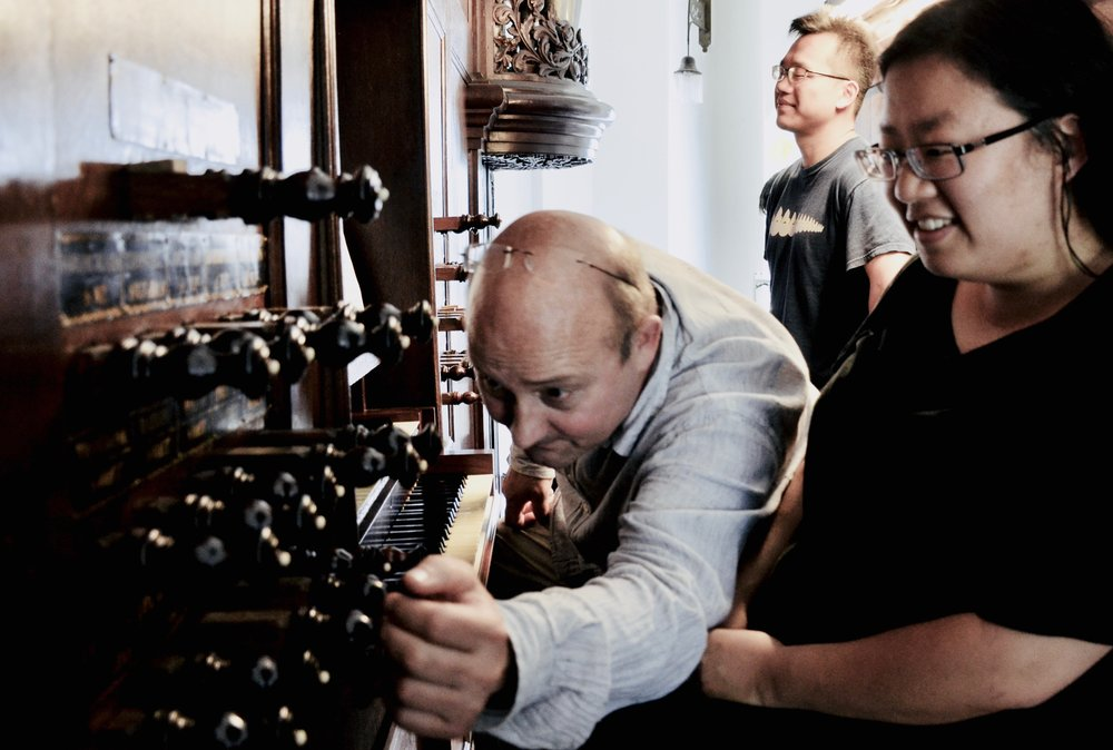 Erwin Wiersinga coaches Jennifer Hsiao on the 1823 Lohman organ in Farmsum, Holland.