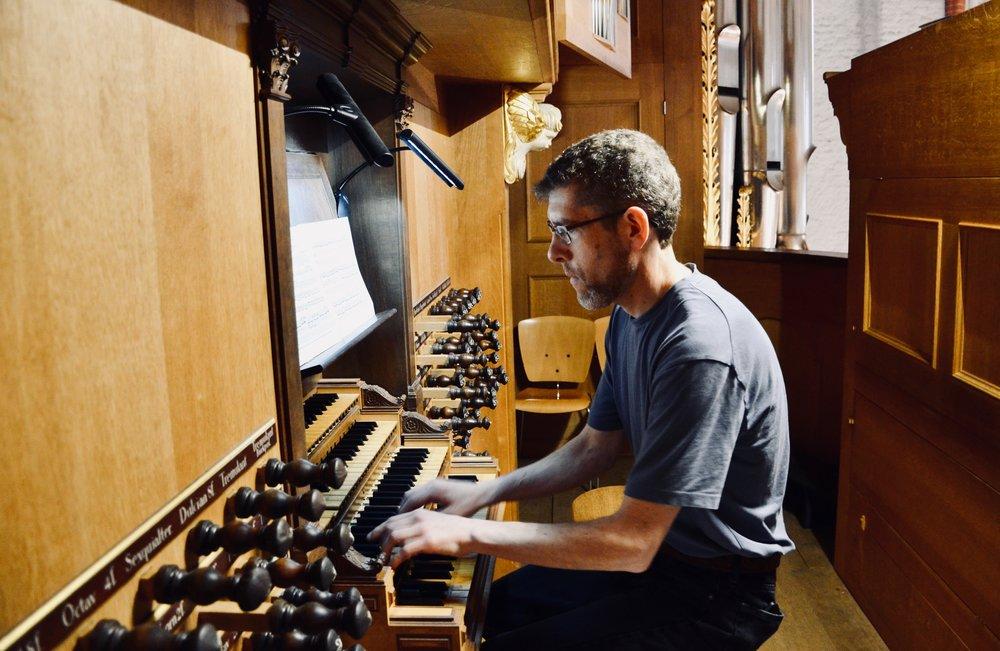 Chris Porter plays the 1693 Schnitger organ, St. Jacobi, Hamburg.