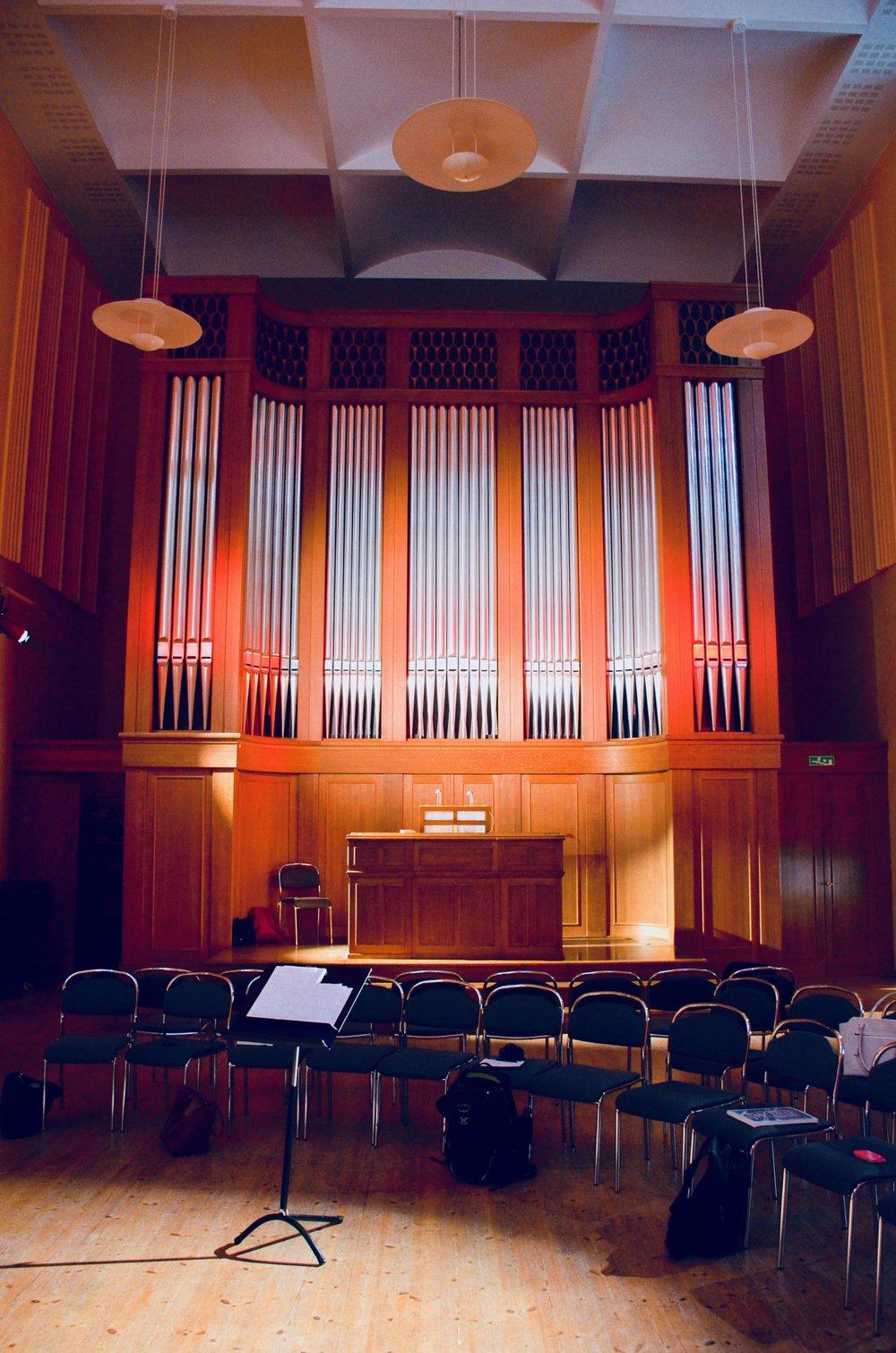 The 1998 French romantic organ in Göteborg University.