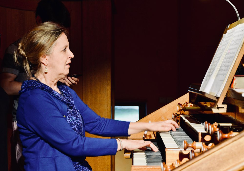 Prof. Karin Nelson demonstrates the 1998 Verschueren organ.