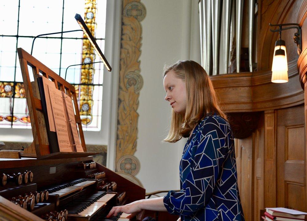 Laura Gullet plays the 1907 Åckerman & Lund organ in S:t Johannes kyrka, Malmö, Sweden.