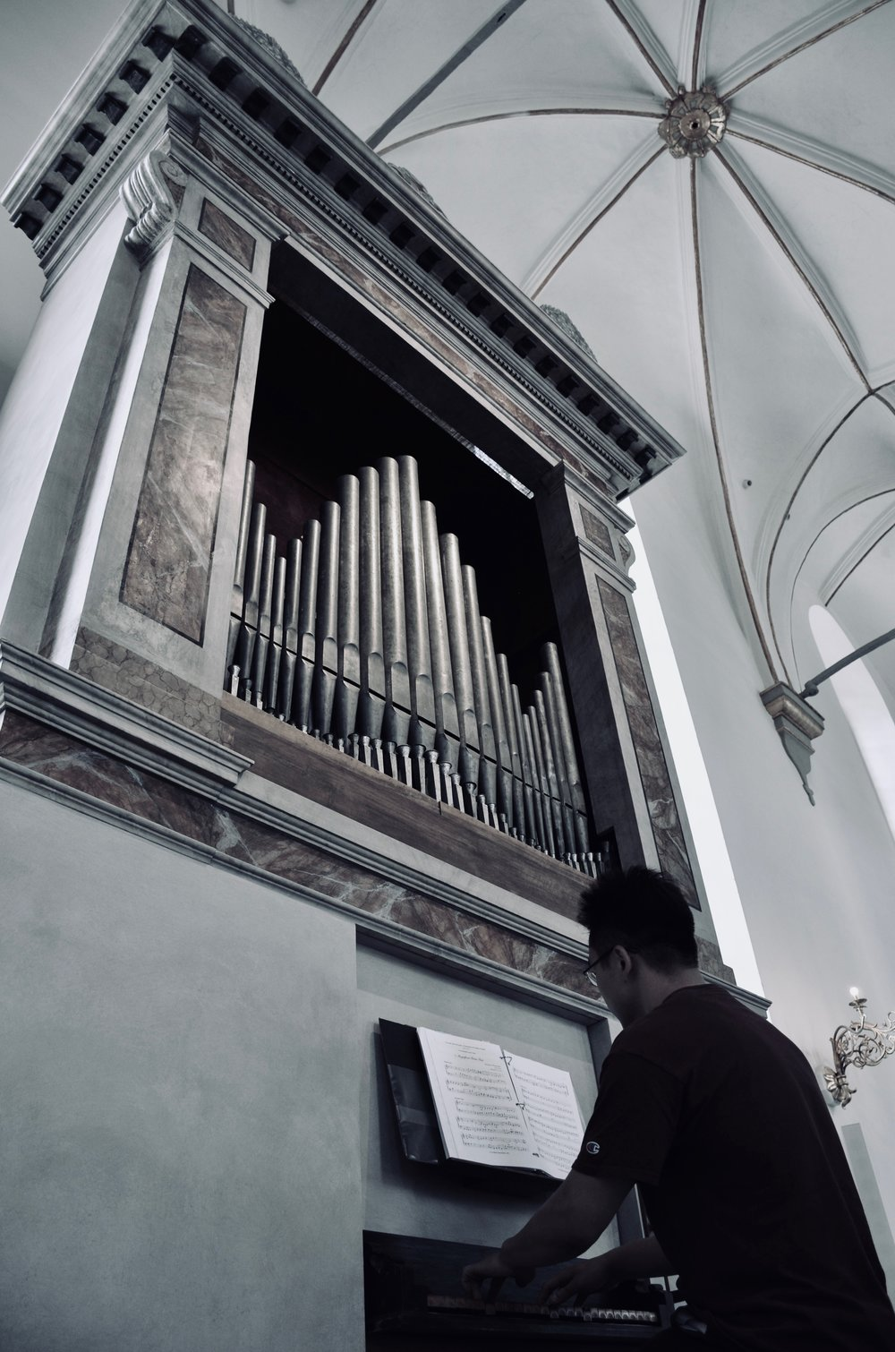Adrian Cho plays the Italian baroque organ in Trinitatis Kirke, Copenhagen.