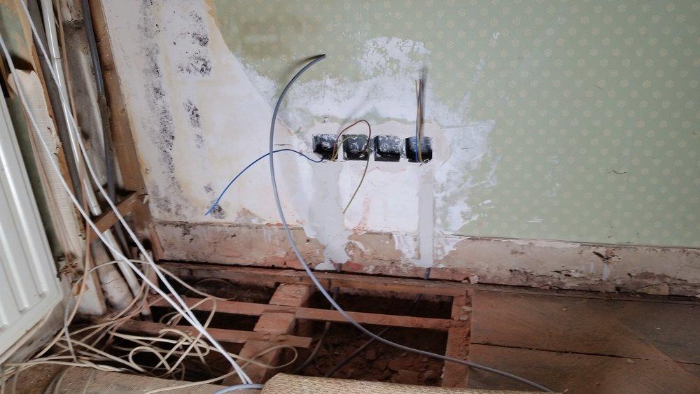 Uitbreiding elektro + vloerafwerking