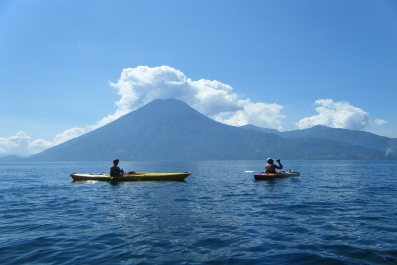 6626577-Kayaking-on-Lago-de-Atitlan-0.jpg