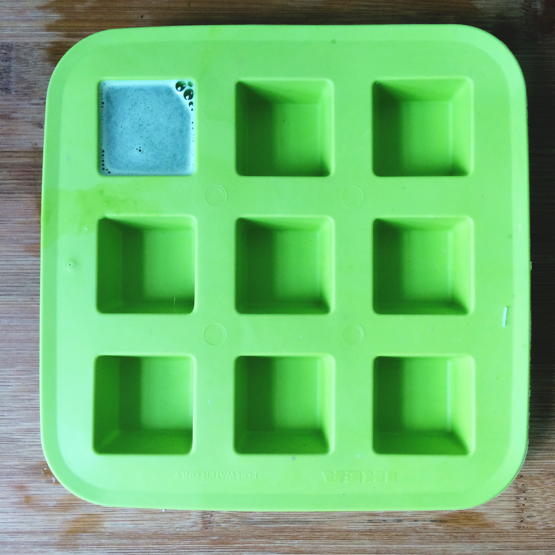 frozen_green_juice_ice_cubes3