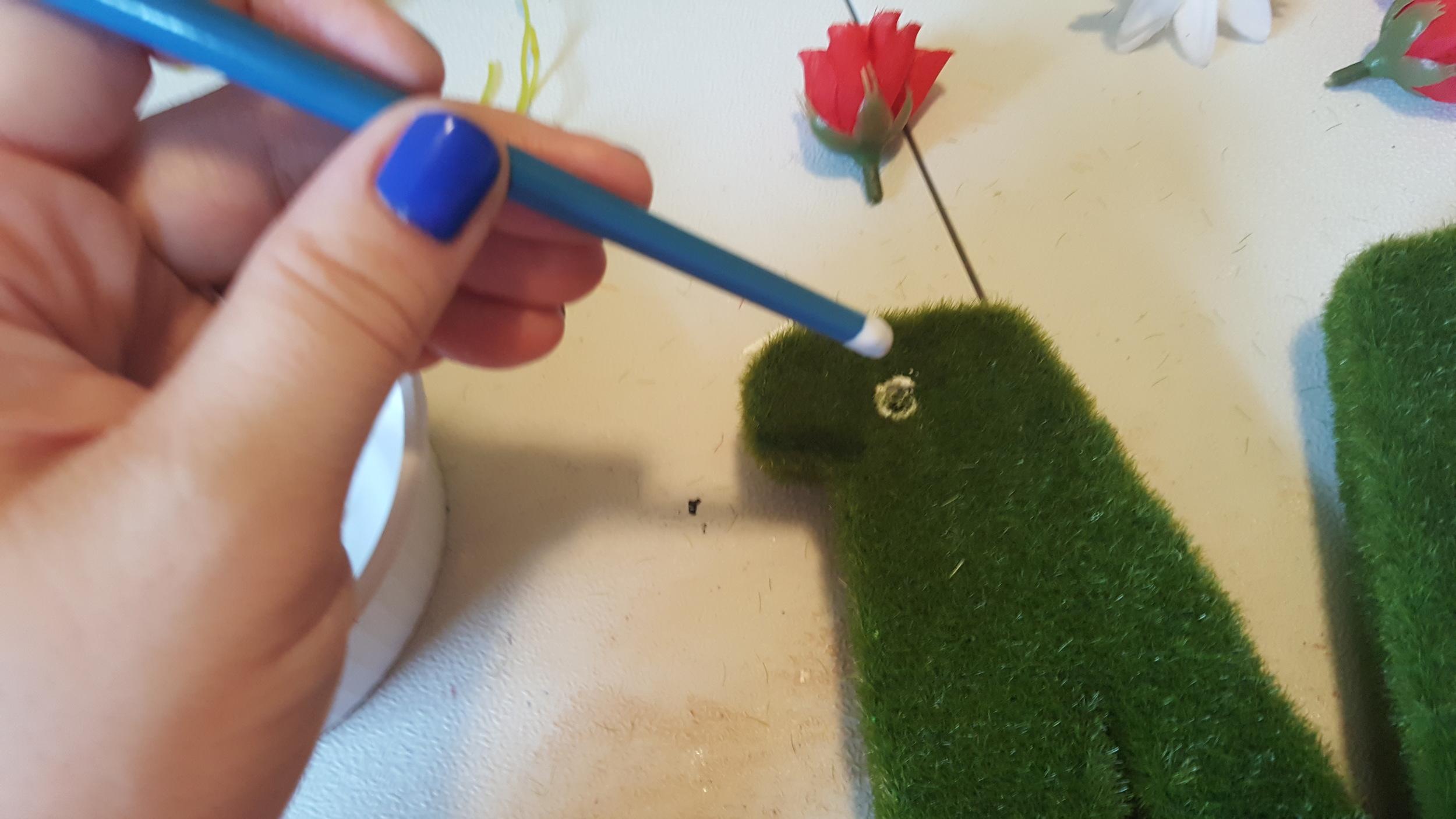 glue flower letter