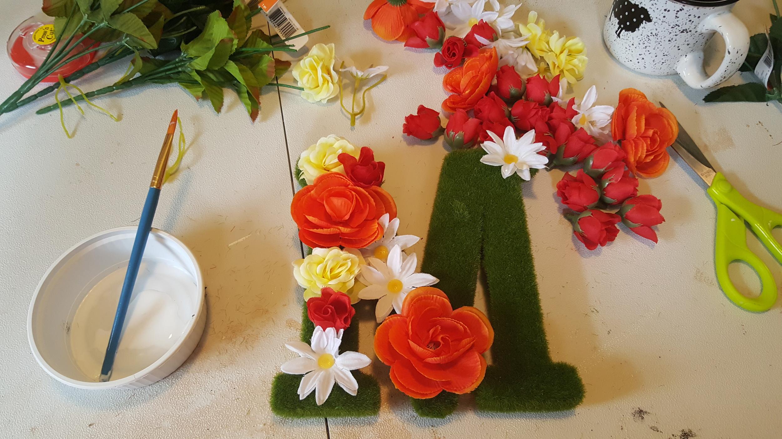 making flower letter