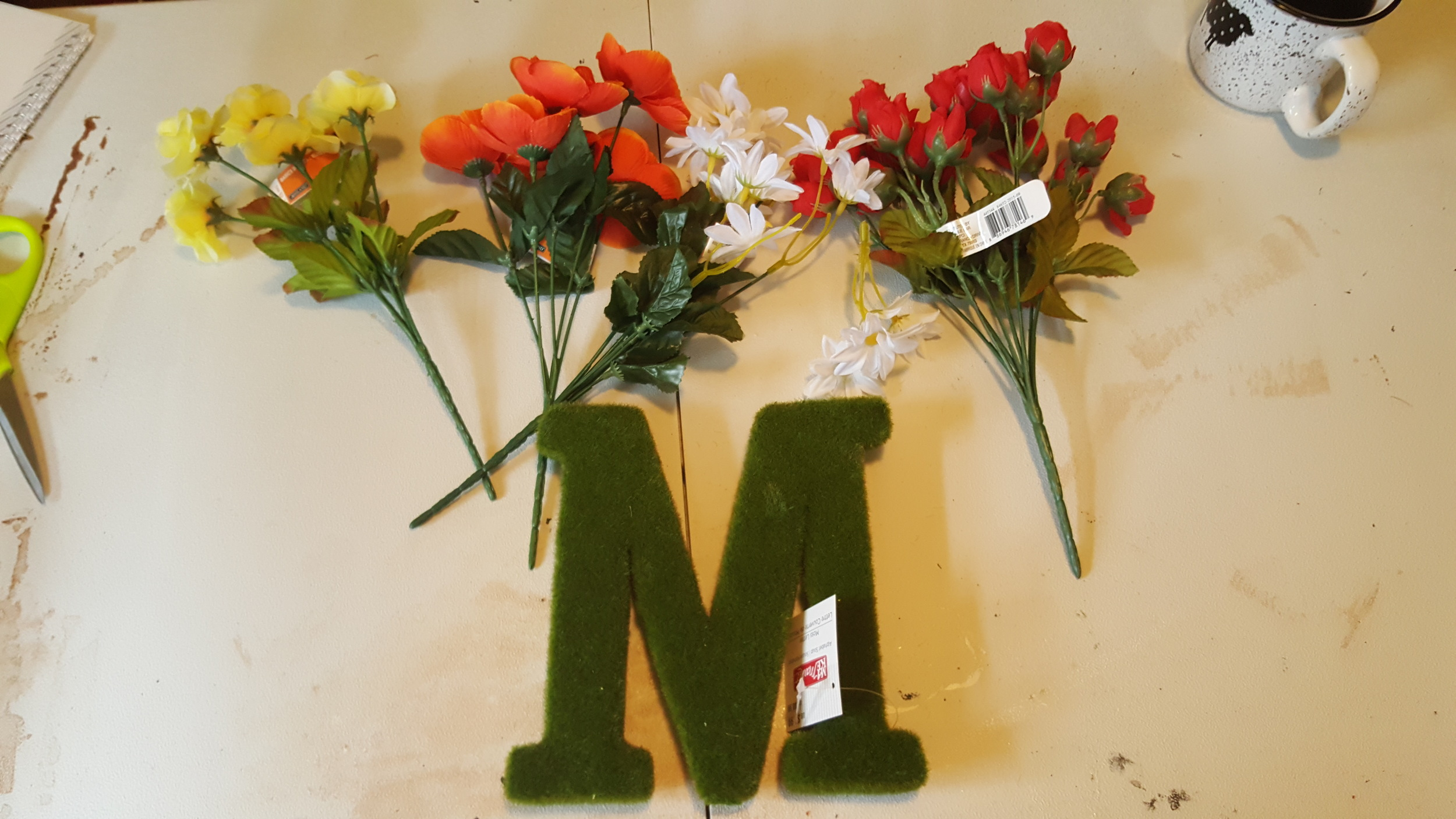 supplies flower letter