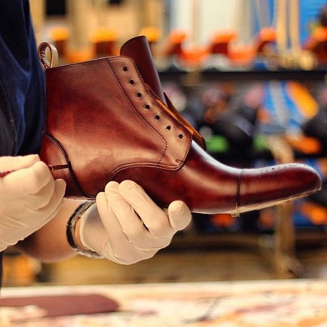 Attention to detail is key. Finishing touches being painted on the Loren Boots...carried @mastroianni_lv