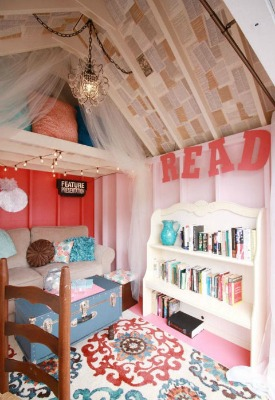 pink-she-shed-interior