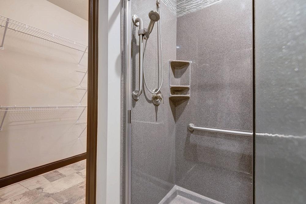 web Tera Vera master bathroom 3.jpg