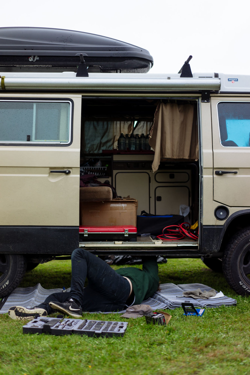 Paul trying to sort out why the Vanagon wouldn't start