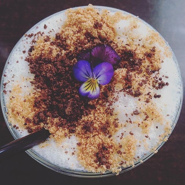 Need to stop and #refuel? Our #coconut #smoothie will do just the trick #healthychoices #healthyliving 📷: @itsralphee