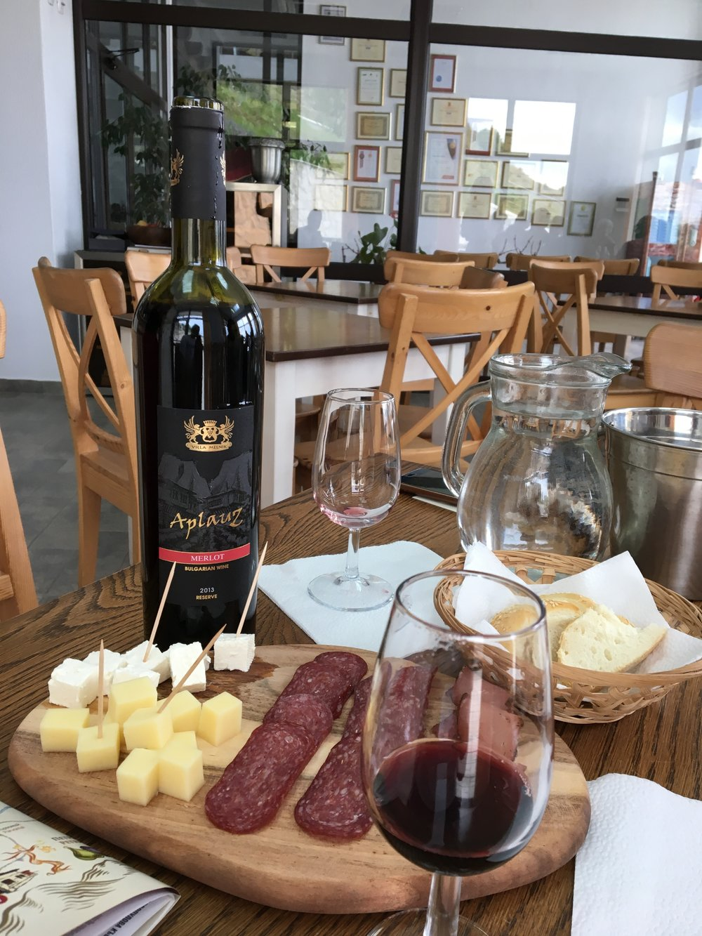 One of Villa Melnik's premium wines,the Applauz merlot, is made from carefully double hand-selected grapes and aged 15 months in Bulgarian oak barrels. It was commended at the Decanter World Wine Awards 2015 in London