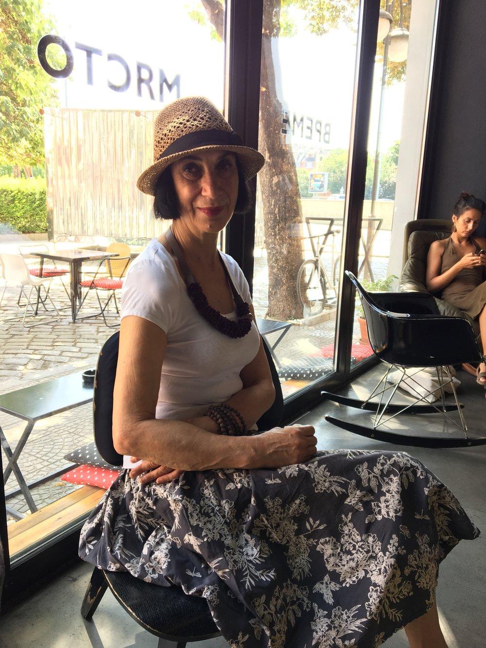Katrin Sarieva at the   artnewscafé