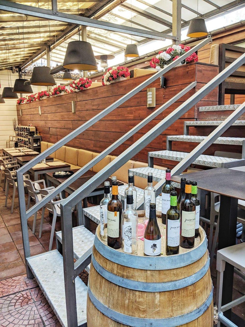 Wine+Tasting+in+Bulgaria.jpg