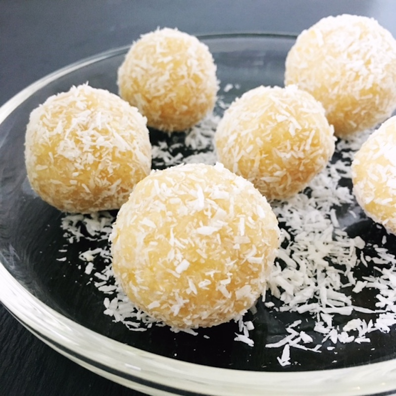 Raw vegan paleo glutenfree coconut lemon bliss balls
