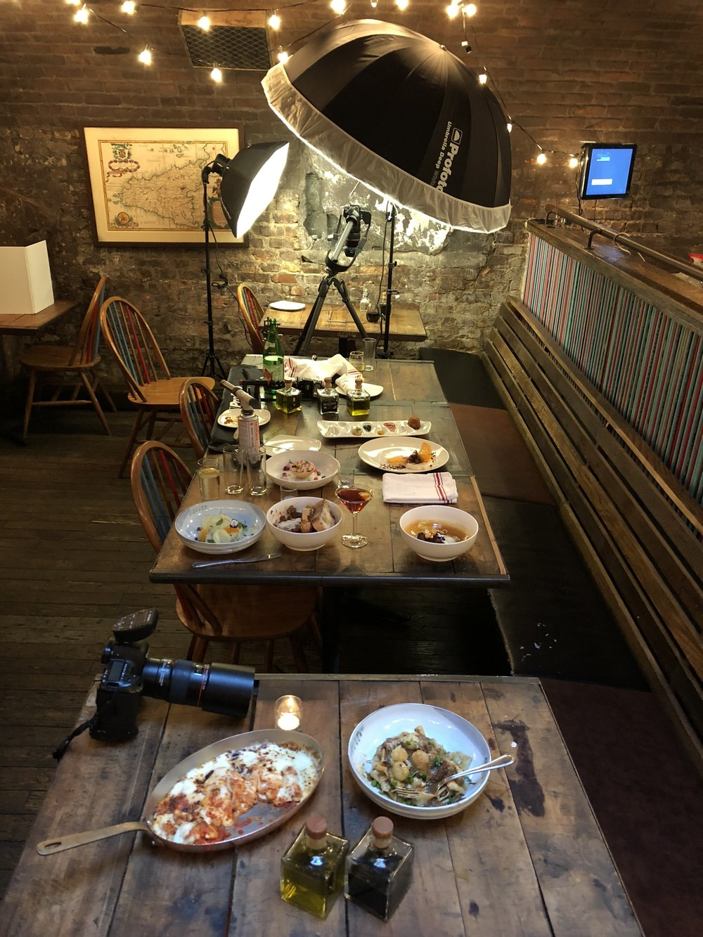 Food Photographer Lighting Setup with Profoto