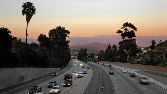 la-2448568-et-cm-1231-freeway-essay-lob-004-jpg-20151230.jpg