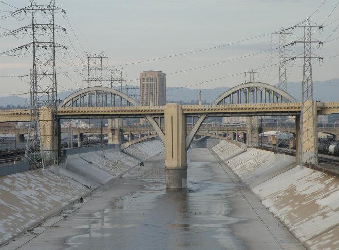 sixth-street-viaduct-by-laurie-avocado.jpg