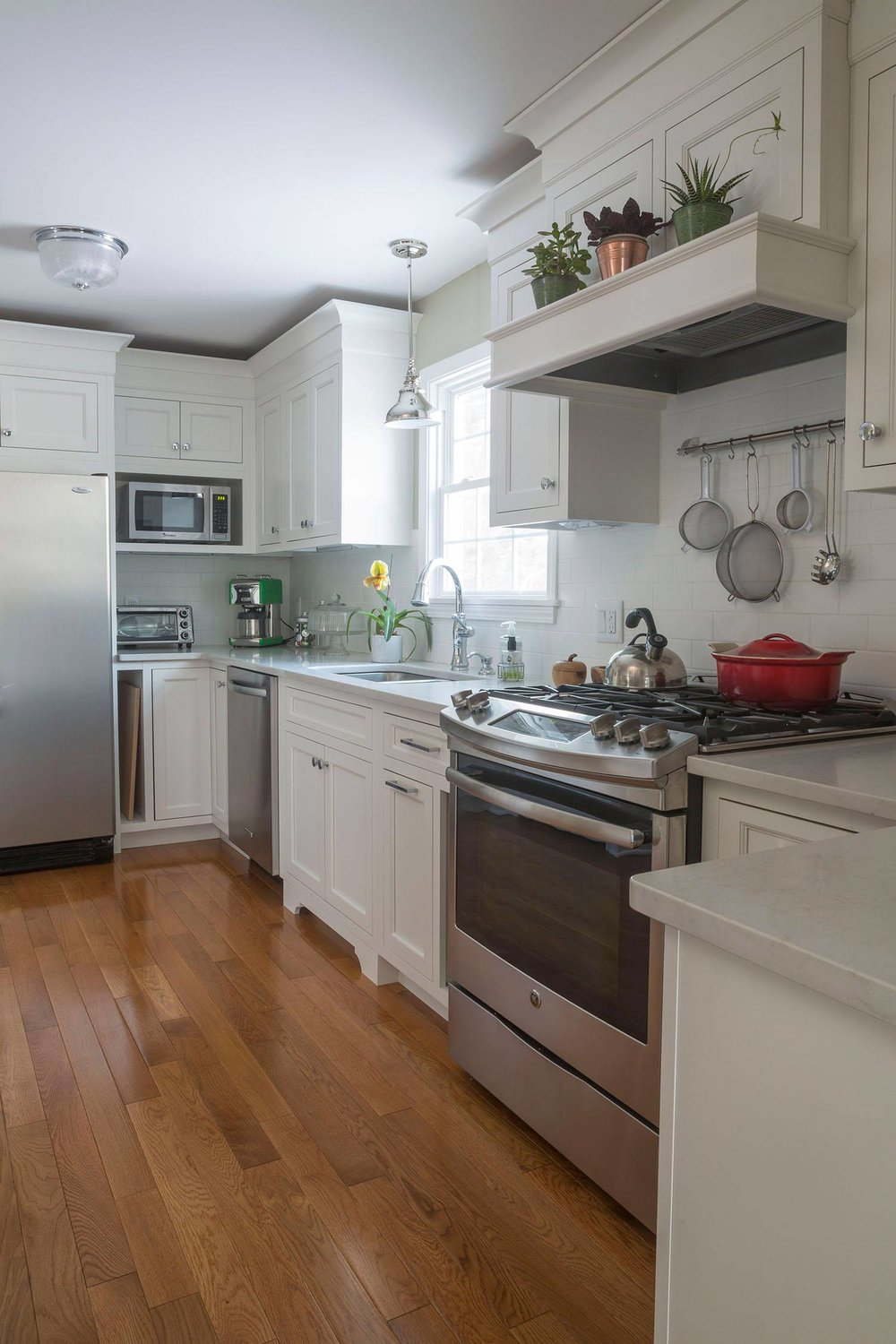 classic-ivory-kitchen-stovetop-sink.jpg