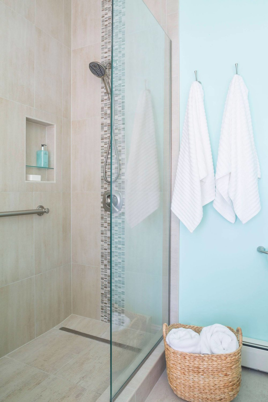 seashore-bathroom-glass-partition.jpg